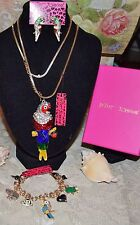 3PC BETSEY JOHNSON STUNNING CRYSTAL  COLORFUL PARROT NECKLACE EARRINGS BRACELET