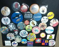 New listing 35 pin back buttons, Mario, hippie, clown, Cle, Pinocchio, weed, etc.