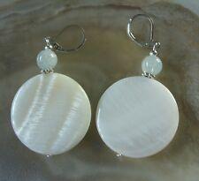 Weiße Perlmutt Button Ohrringe 30 mm Ohrhänger Earrings m.Aquamarin & Brisuren