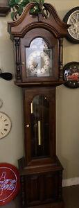 Vintage Howard Miller Grandmother clock