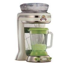 Mixeurs et blenders sur socle vert