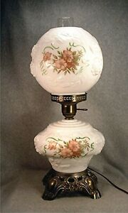 Vintage Gone With The Wind White Glass Puffy Roses & Pink Roses Decorated Lamp
