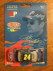0781317021833 Jeff Gordon 2003 Action diecast 24 1/64 NASCAR DuPont Monte Carlo
