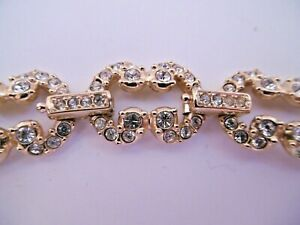 LOVELY ORIGINAL SWAROVSKI STIMULATED DIAMOND CRYSTAL GOLD TONE NECKLACE