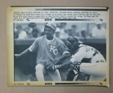 VINTAGE AP PRESS PHOTO 3/21/92 BRENT MAYNE IS OUT AT THE PLATE K. C. ROYALS
