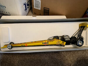 eddie hill Pennzoil 1997 dragster 1 of 5,700