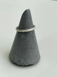 DIANA PORTER SECONDS Slim Silver 'DREAMING...' Ring, size I