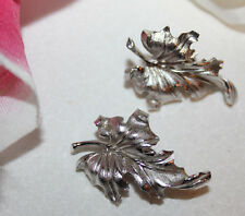 GORGEOUS CROWN TRIFARI SIGNED SILVER TONE MAPLE LEAF CLIP ON EARRINGS-MINT!!!