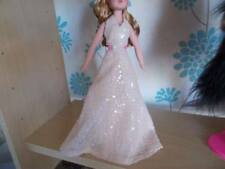 robert tonner On The Red Carpet Exclusive Tonner Sindy outfit