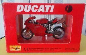Maïsto Moto Ducati 999s  1/18 eme réf 451
