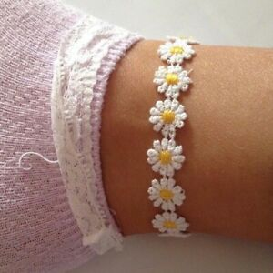 Adjustable Daisy Chain Flower Anklet