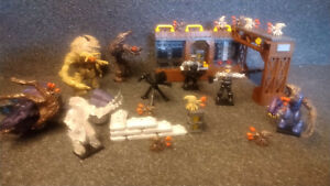 Mega Bloks Halo Flood Invasion 97430, 100% complete. mega construx. rare set.
