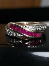 Beautiful Solid 9ct Gold Ruby & Diamond Ring Size M 3.5g