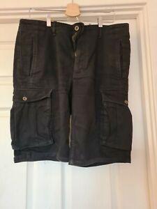 Levi cargo shorts 34 Waist