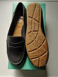 Vintage 1980/'s Clarks Navy Blue Chunky Heeled Moccasins Loafer UK size 5.
