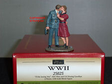 BRITAINS 25025 RAF Pilote + fille Kissing Goodbye METAL TOY SOLDIER FIGURE SET