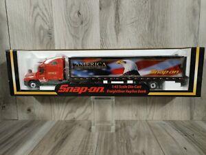 2003 Snap-On Crown Premiums 1:43 Die-Cast Freightliner Replica Bank - America