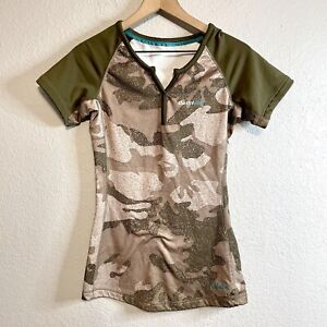 Cabelas Women's XS Outfit Her Short Sleeve Fitted Camo Shirt