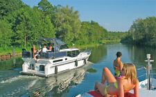 Hausboot 11m lang für 4 Personen auf der Müritz mieten - 10% Bonus sichern!