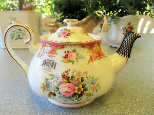 "Royal Albert  "" Lady Carlyle ""  Large Teapot   1st Quality   Excellent Condition"