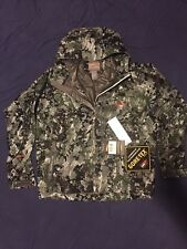 NEW Sitka Gear Downpour Gore-Tex Quiet Rain Jacket Optifade BG Forest - Large