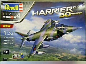 Revell 1:32 Scale Hawker Siddeley Harrier GR-1 Model Kit - Kit # 05690 Preowned