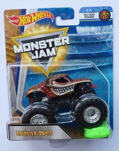 Hot Wheels Monster Jam Truck MONSTER MUTT  c/w Re-Crushable Car Rare !!