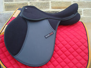 HI LITE ELITE Adjustable Tree Shires Pony Synthetic Saddle 14  Medium Fit