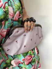 Sac à main original poing américain bagues simili cuir rose cerises rock pinup