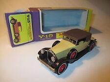 Packard Victoria Cabrio (1930) in creme / braun brown, Matchbox MoY Y-15 boxed!