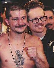 FREDDIE ROACH & JOHNNY TAPIA 8X10 PHOTO BOXING PICTURE