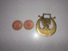 Vntg Royal Scots Greys Brass Saddle Medallion Plus Pendleton Roundup Rodeo Chips