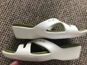 crocs ladies sandals size 6 uk