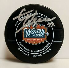 Zdeno Chara Boston Bruins Signed 2010 Winter Classic Official Game Puck