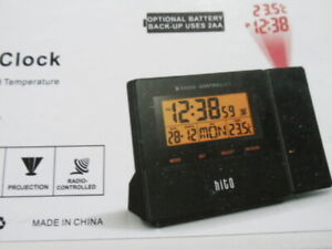 Radio Controlled Time Projector/Projection Alarm Clock & Thermometer LCD °F/°C