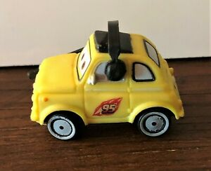 Figurine CARS 2 GUIDO DISNEY PIXAR neuve avec étiquette