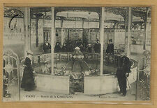 Cpa Vichy - source de la Grande Grille cliché rare rp0603