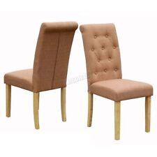 Chaises marrons en tissu pour la maison