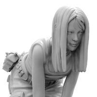 1/35 Resin Girl Squatting Down Unpainted Unassembled CK015