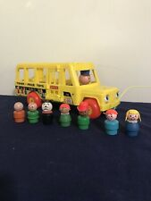 1965 Vintage Fisher Price Little People Pull Along School Bus #192 Wooden People
