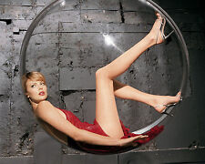 CHARLIZE THERON 8X10 PHOTO PICTURE PIC HOT SEXY LEGS 74