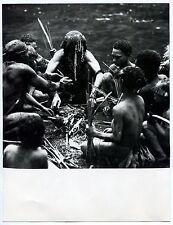 """Photo Nouvelle Guinée - Chez les Puka-Puka - """"L'aube de l'homme"""" - 1970 -"""
