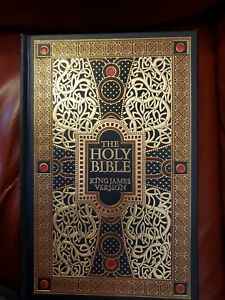 Holy Bible : King James Version (with beautiful illustrations by Gustave Dore).