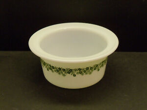 """Vintage Pyrex Spring Blossom """"Crazy Daisy"""" Butter Tub No Lid Very Nice"""