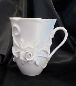 RARE Robert Gordon White Rambling Rose Mug Stunning Delicate 3D Design ISSUES