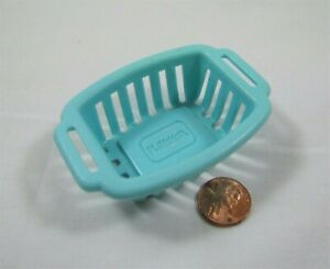 PLAYSKOOL Dollhouse TURQUOISE LAUNDRY BASKET for Washer Dryer Room Rare!