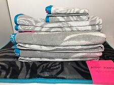 Betsey Johnson Towel Set 7pc: 2 Bath, 2 Hand, 2 Wash; 1 Mat - Bold Roses NWT