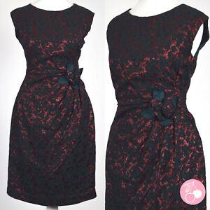 SHIMMERING RED & GREEN FLORAL BROCADE, FLOWER DETAIL 1950s VINTAGE DRESS 8