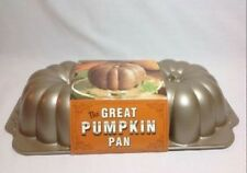 GREAT PUMPKIN CAKE PAN William Sonoma Nordicware Discontinued Made USA