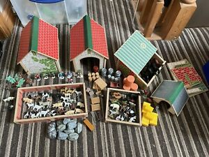 Huge Wooden Farm Toy Play Set Bundle - Building, Loads Of Animals